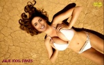 Y18-.-JSexy-Julie-La-Rousse-en-Bikini.jpg